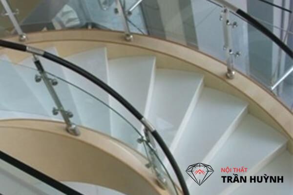 Đá nhân tạo ốp cầu thang